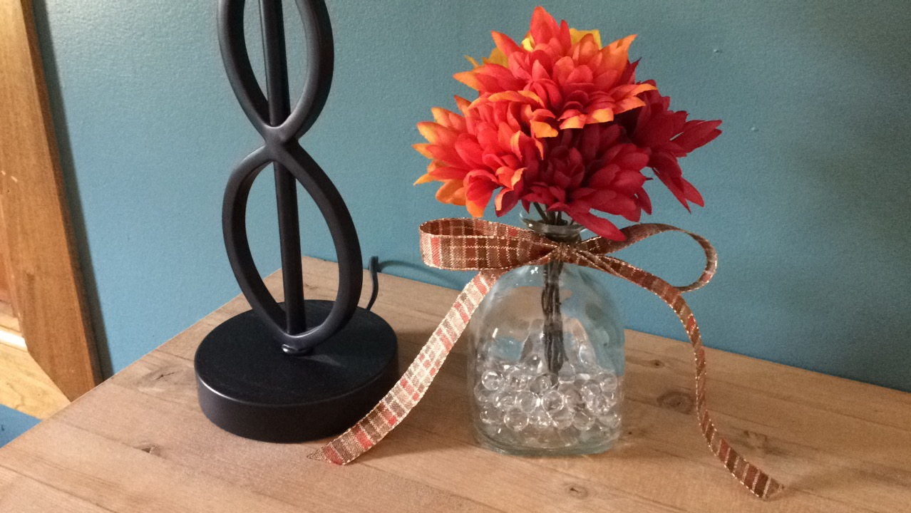 [DIY – Fall Vase With Reusable Alcohol Bottles]