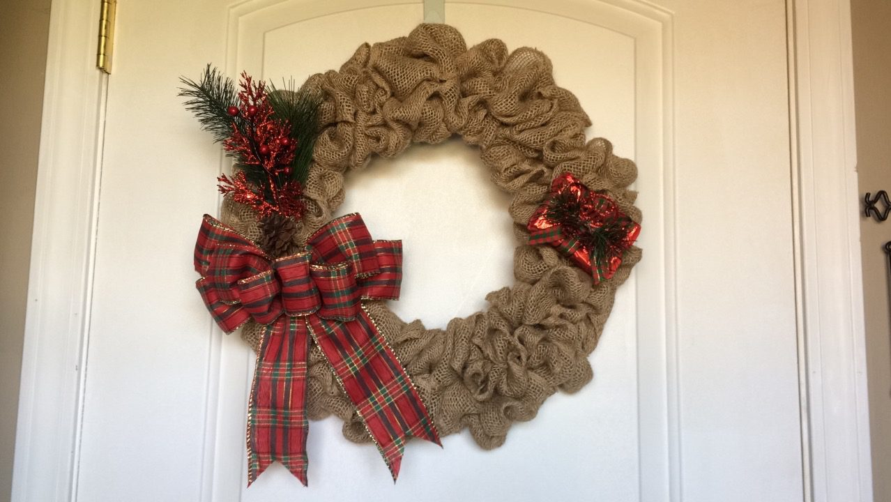 How To - Burlap Wreath