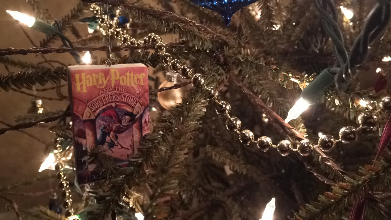 [DIY – Harry Potter Book Christmas Ornaments With Free Printable]